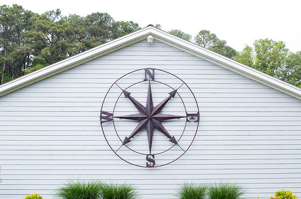 deltaville-compass
